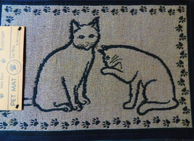 Cat Pals Tapestry Pet Mat