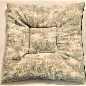 Posh Pet Place Country French Toile pet bed mat.